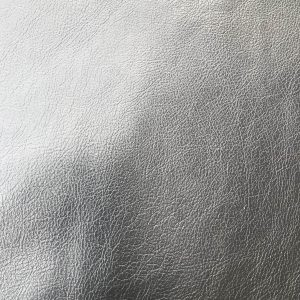 """SKU:10051 NAME:calf leather piuma lux black ANIMAL:calf leather SPECIE:buffalo ARTICLE:piuma lux COLOR:black USE:leathergoods, shoes SIZE:1,6/1,8 THICKNESS:0,8/1,0 DESCRIPTION:sporty, soft, shinny """