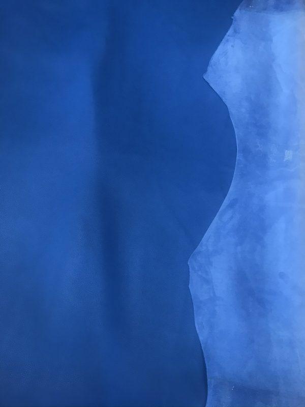 """SKU:10055 NAME:calf leather cellarius lapis blu ANIMAL:calf leather SPECIE:calf ARTICLE:cellarius COLOR:lapis blu USE:leathergoods, shoes SIZE:1,8/2,0 THICKNESS: DESCRIPTION:sporty, soft, grain """