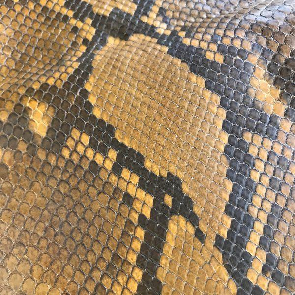"""SKU:10071 NAME:python leather acquarello lux paprika orange ANIMAL:python leather SPECIE:reticulatus ARTICLE:acquarello lux COLOR:paprika orange USE:leathergoods, shoes SIZE:27+;30+ THICKNESS:0,4/0,6 DESCRIPTION:soft, semishinny """