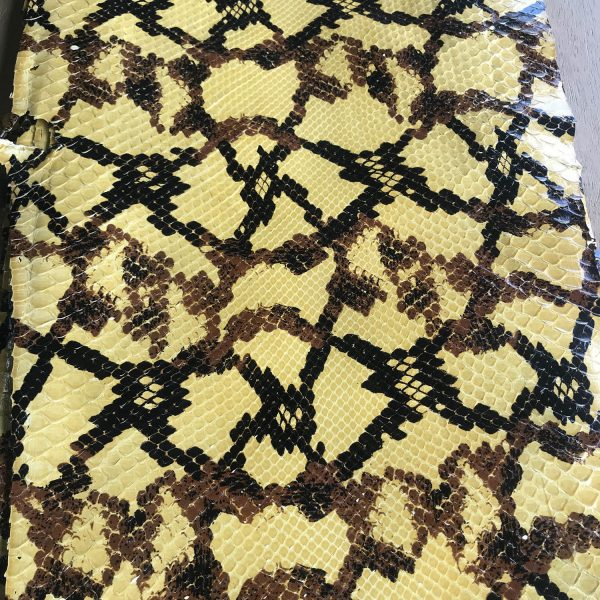 """""""SKU:10091 NAME:python leather astratto crop ANIMAL:python leather SPECIE:moluro ARTICLE:astratto COLOR:crop USE:leathergoods, shoes SIZE:30+ THICKNESS:0,4/0,6 DESCRIPTION:dressy, shinny """""""