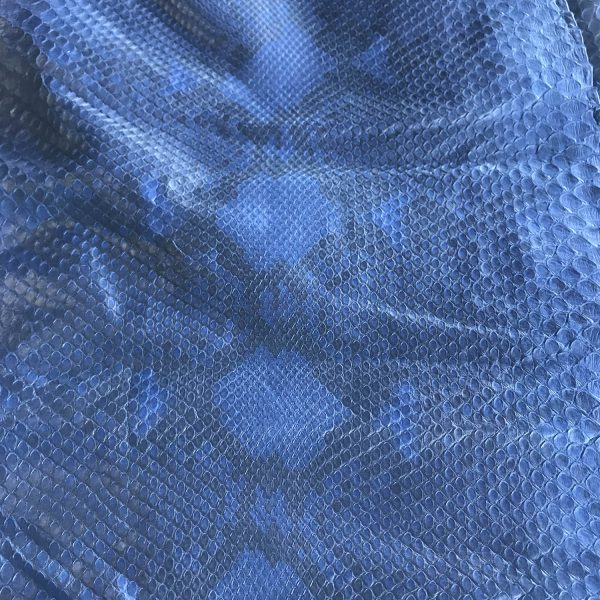 """""""SKU:10117 NAME:python leather oil blue marine ANIMAL:python leather SPECIE:reticulatus ARTICLE:oil COLOR:blue marine USE:leathergoods, shoes, garment SIZE:27- THICKNESS:0,4/0,6 DESCRIPTION:soft, matt, waxy """""""