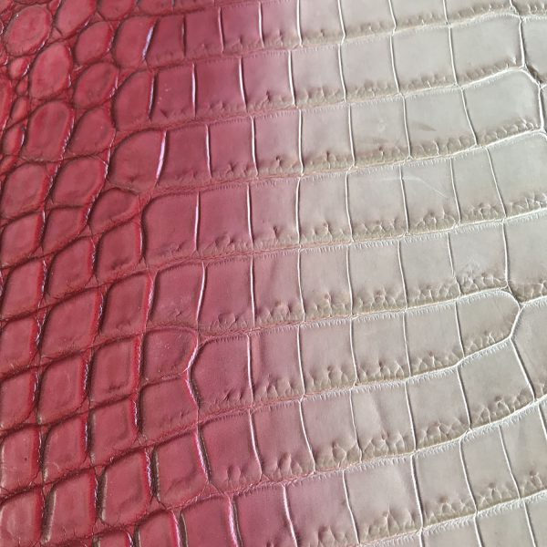 """""""SKU:10132 NAME:crocodile leather degrade appia ANIMAL:crocodile leather SPECIE:niloticus ARTICLE:degrade COLOR:appia USE:leathergoods, shoes SIZE:36-39, 40-44 THICKNESS:1,0/1,2 DESCRIPTION:vintage, sporty, semishinny, soft """""""