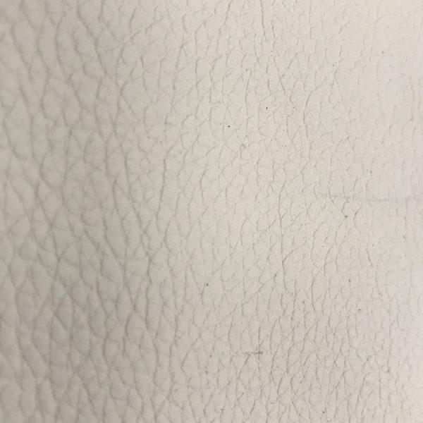 """SKU:10163 NAME:calf leather miro mystic white ANIMAL:calf leather SPECIE:calf ARTICLE:miro COLOR:mystic white USE:leathergoods, shoes, SIZE:160-180 THICKNESS:1,0/1,2 DESCRIPTION:soft, matt """