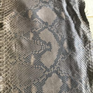 """""""SKU:10186 NAME:python leather oil acero ANIMAL:python leather SPECIE:reticulatus ARTICLE:oil COLOR:acero USE:leathergoods, shoes, garment SIZE:27+;30+; 35+ THICKNESS:0,4/0,6 DESCRIPTION:soft, matt, waxy """""""