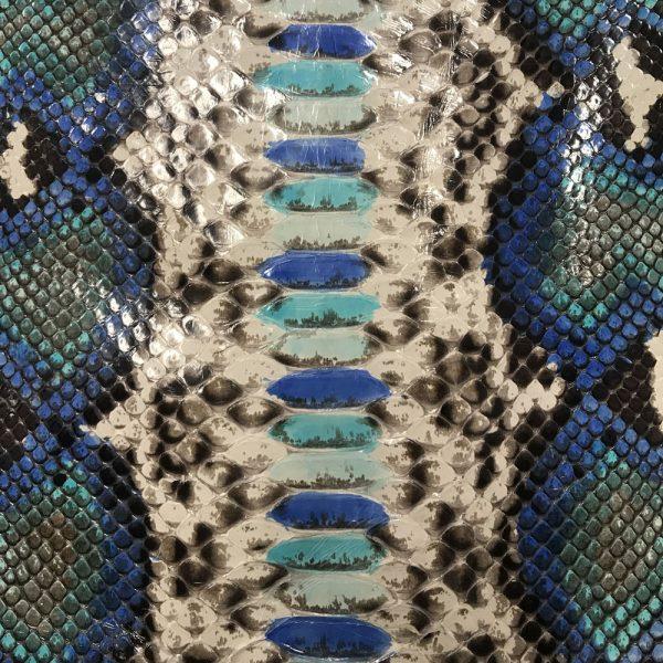 """SKU:58 NAME:python leather ramis alaska ANIMAL:python leather SPECIE:reticulatus ARTICLE:ramis COLOR:alaska USE:leathergoods, shoes, garment SIZE:27+; 30+; 35+ THICKNESS:0,4/0,6 DESCRIPTION:soft, shinny """