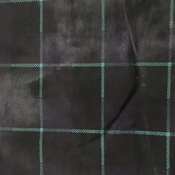 """""""SKU:10226 NAME:calf leather cavallino printed tartan green ANIMAL:calf leather SPECIE:calf ARTICLE:cavallino printed COLOR:tartan green USE:leathergoods, shoes, garment SIZE:04-05 THICKNESS:0,8/1,0 DESCRIPTION:soft, shinny, warm """""""