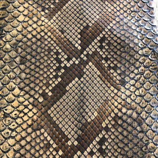 """""""SKU:10229 NAME:python leather tanning soie old brown ANIMAL:python leather SPECIE:reticulatus ARTICLE:tanning soie COLOR:old brown USE:leathergoods, shoes SIZE:27+;30+ THICKNESS:0,4/0,6 DESCRIPTION:soft, semishinny """""""