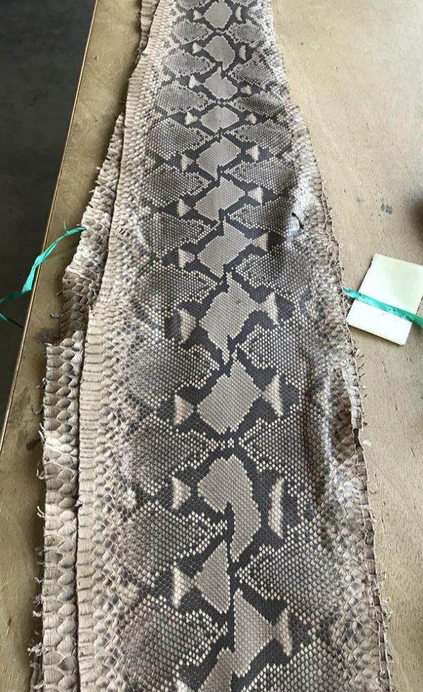 """SKU:10234 NAME:python leather oil pale camel ANIMAL:python leather SPECIE:reticulatus ARTICLE:oil COLOR:pale camel USE:leathergoods, shoes, garment SIZE:30+, 35+ THICKNESS:0,4/0,6 DESCRIPTION:soft, matt """