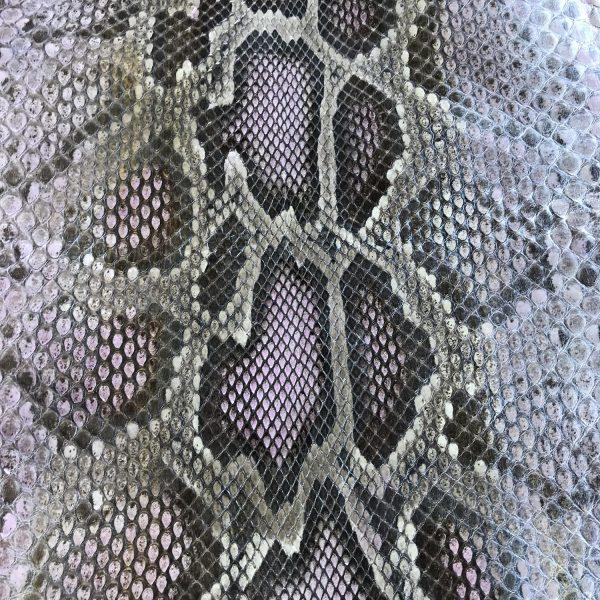 """SKU:10238 NAME:python leather ivy pearl mauve ANIMAL:python leather SPECIE:moluro ARTICLE:ivy pearl COLOR:mauve USE:leathergoods, shoes, garment SIZE:27+, 30+ THICKNESS:0,4/0,6 DESCRIPTION:soft, shinny """
