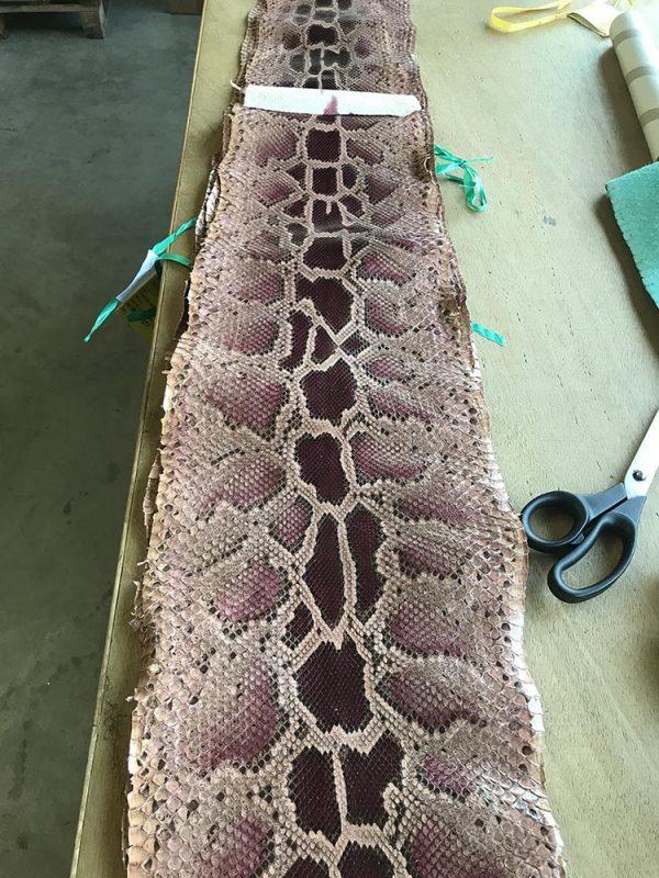 """SKU:10242 NAME:python leather naif soft pink burgundy ANIMAL:python leather SPECIE:moluro ARTICLE:naif COLOR:soft pink burgundy USE:leathergoods, shoes, garment SIZE:27-, 27+, 30+ THICKNESS:0,4/0,6 DESCRIPTION:soft, shinny """
