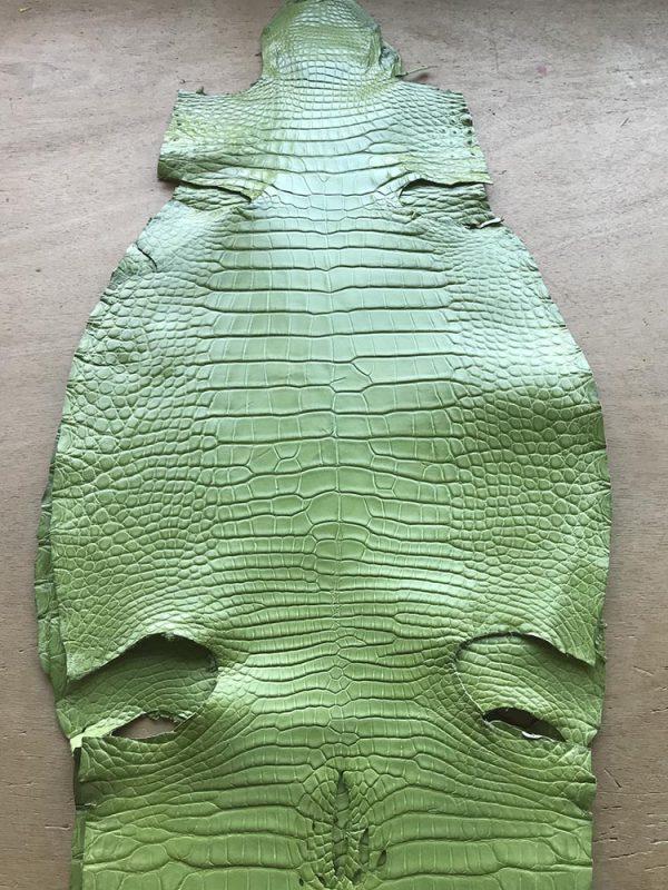 """SKU:10259 NAME:crocodile leather millenium prato ANIMAL:crocodile leather SPECIE:alligator ARTICLE:millenium COLOR:prato USE:leathergoods, shoes SIZE:3-34, 35-39 THICKNESS:1,0/1,2 DESCRIPTION:soft, shinny """