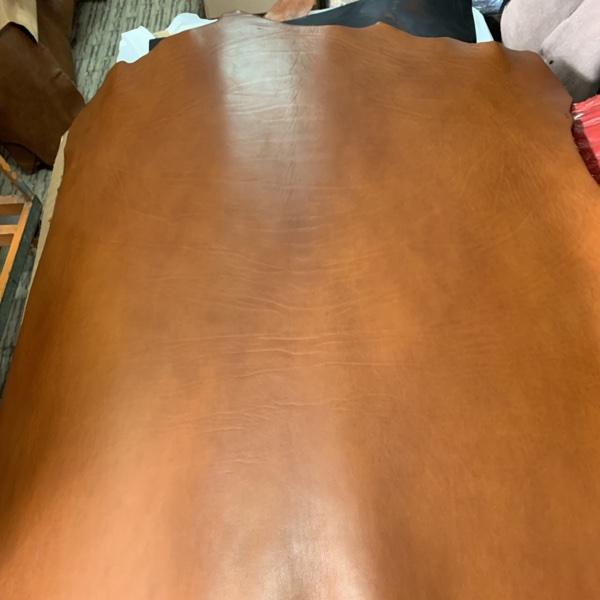 310 calf leather Vacchetta Oil cuoio