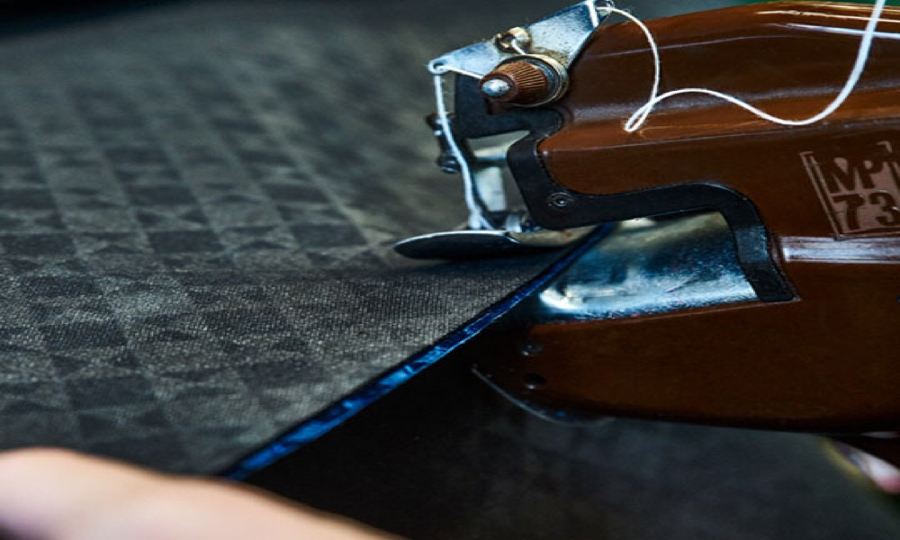 The bounded of the leather to give greater thickness and support can also be done in an industrial way